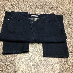Chico's size 2.5 Reg Dark washed jeans